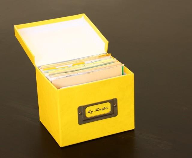 shutterstock_recipe box (2)