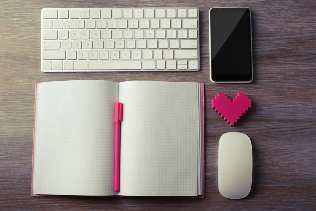 shutterstock_notebook, heart, etc