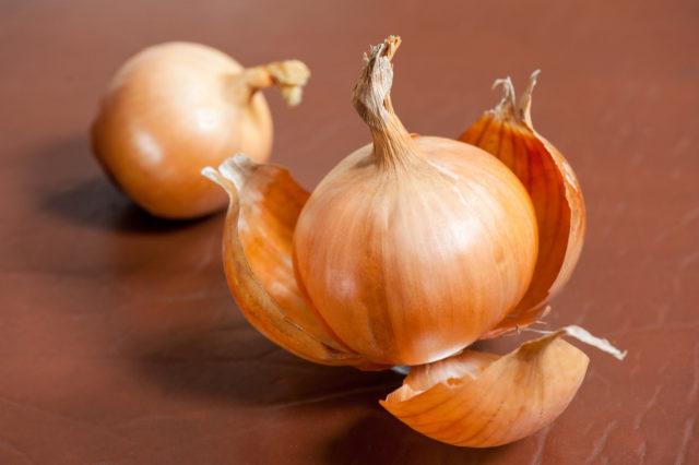 peeling-onion